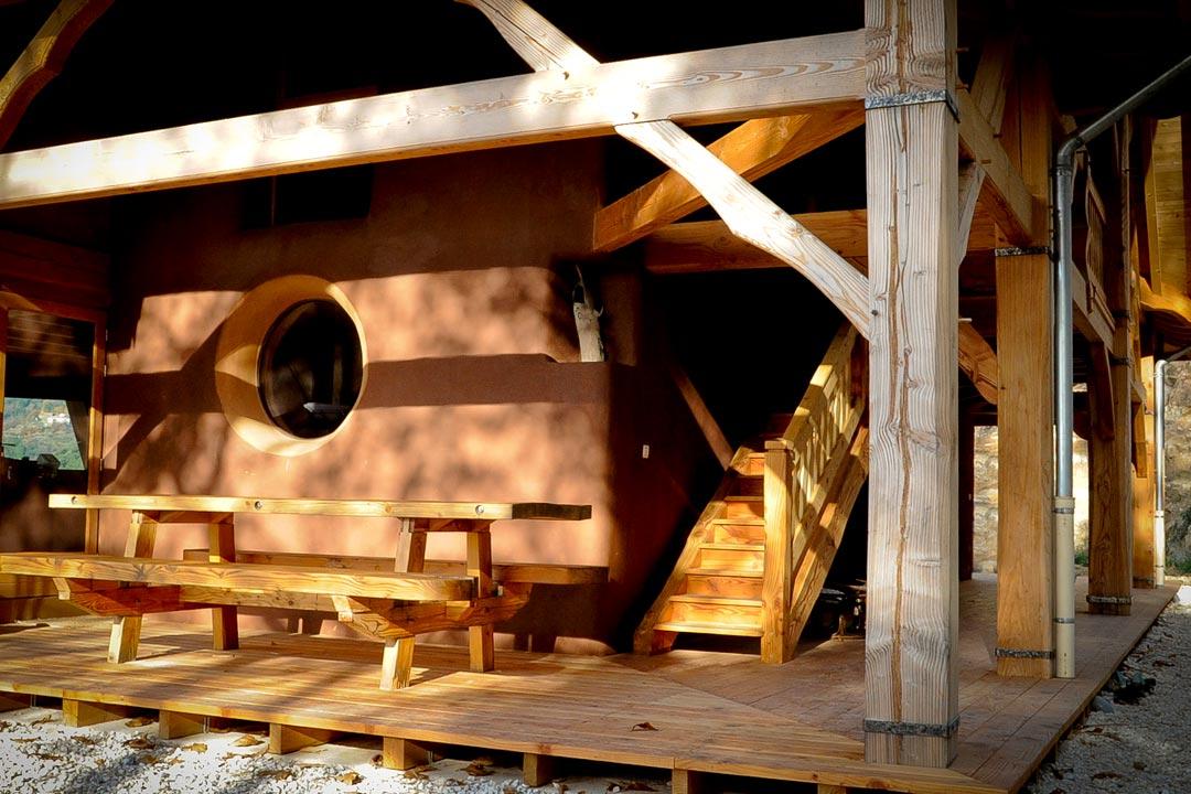 Salle à manger extérieure couverte