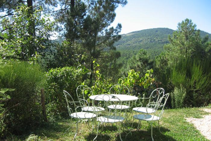 Tables et chaises en fer extérieur